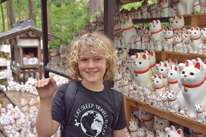 Gotokuji: The Lucky Cat Temple in Tokyo with kids