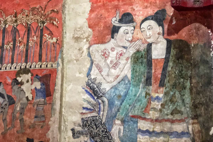 Temple paintings at Wat Phumin