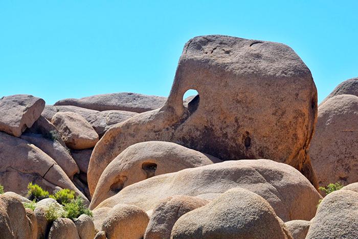Skull Rock from a really bad angle at Joshua Tree