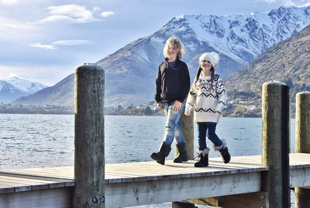 Queenstown with Kids - Lake Wakitipu walk from the Rees