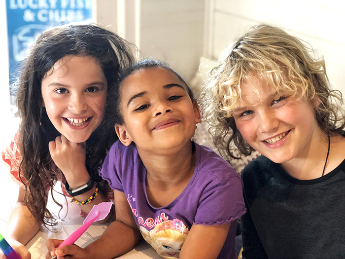"Raffles and Sugarpuff meet their South African ""sister"" Chritsal-Lee"