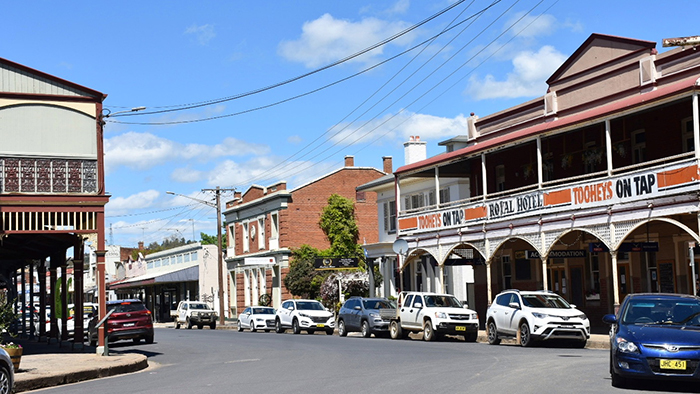 Exploring Gaskill Street in Canowindra with Blind Freddy's Bushranger Tours