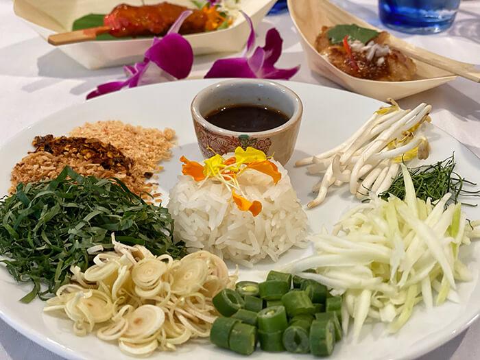 Caysorn Thai Restaurant, Thai Town Sydney: kao yum (mixed herb salad)