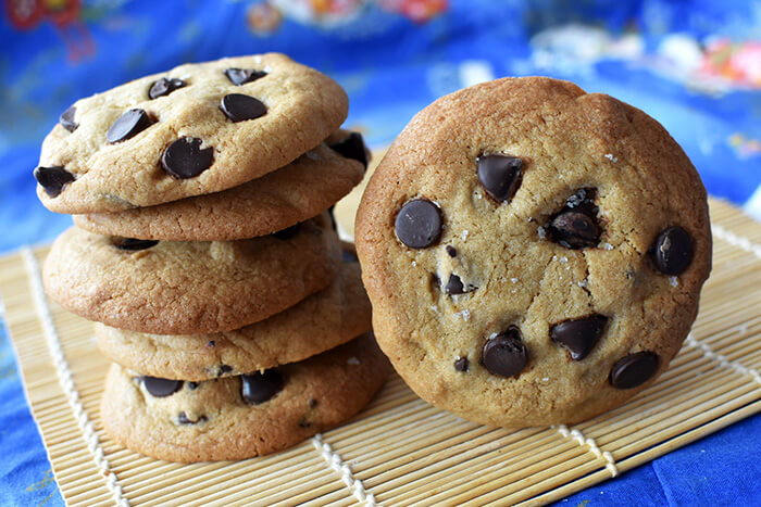 Salted chocolate chip mochi cookies