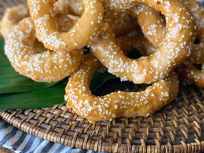 Noum Kong Cambodian Doughnut recipe ©boyeatsworld