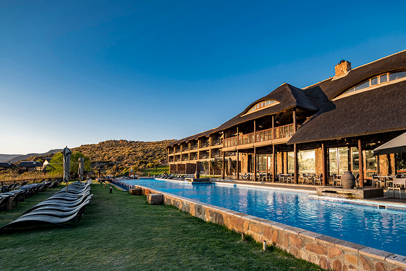 The pool at Aquila Private Game reserve © Sherilea Gaspar/South African Tourism copy